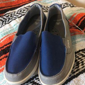 Women's Crocs Walu canvas loafer